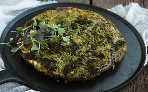 Frittata con brócoli y espirulina